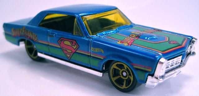 File:'65 Pontiac GTO superman super friends kroger 2013.JPG