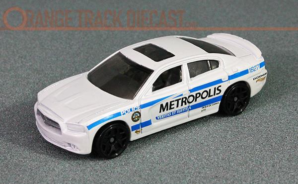 File:11 Dodge Charger RT - 16 Batman v Superman 5PK METROPOLIS 600pxOTD.jpg