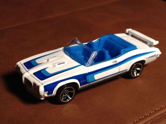 File:70 Pontiac GTO white.jpg