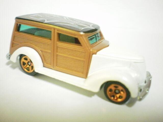 File:'37 ford 2010 HW hotrods.JPG