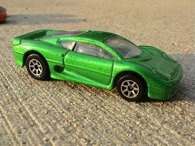 File:Jaguar XJ220 - Green Super Show Cars.JPG
