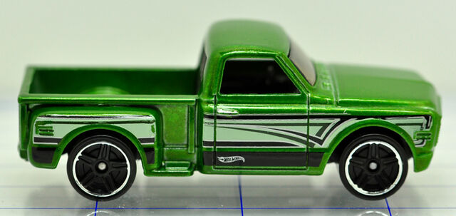 File:69-chevrolet-pick up-green-hw (2).jpg