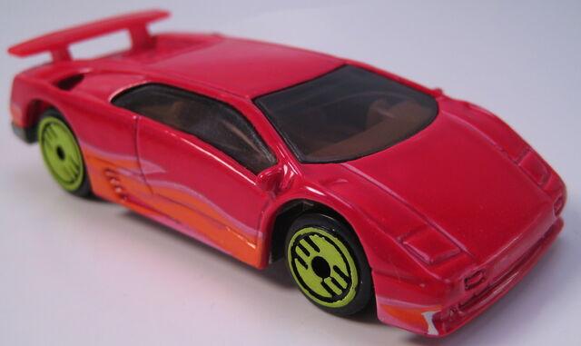 File:Lamborghini Diablo revealers red.JPG