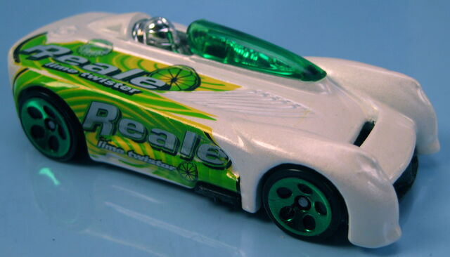 File:Monoposto pealr white green HO wheels mal base carbonated cruisers series 2003.JPG