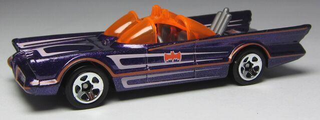 File:Hw 1966 batmobile 2012 W4469 side 02 Kroger Halloween Exclusive Purple.jpg