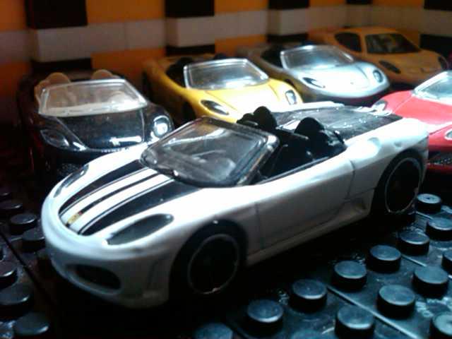 File:Ferrari F430 White.jpg