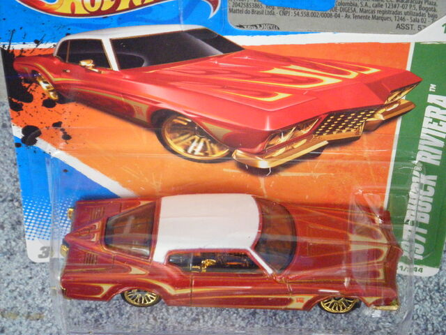 File:Hot Wheels 2011 61 Tresure hunt 1971 BUICK Riviera top.JPG