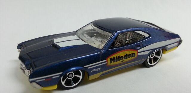 File:1972 Ford Torino Sport 2014 Milodon blue.jpeg