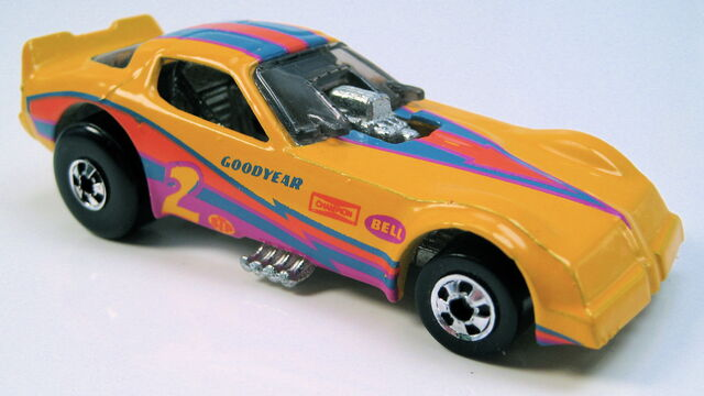 File:Firebird funnycar yellow bw mal base magenta tampo.JPG