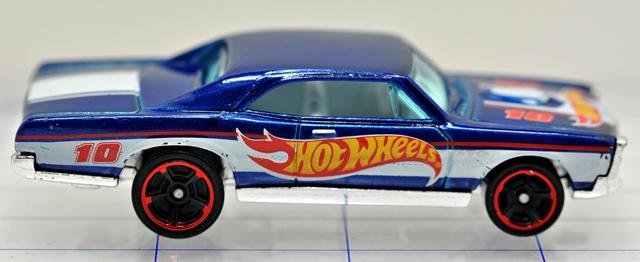 File:67-pontiac-gto-blue-hw racing-hw.JPG