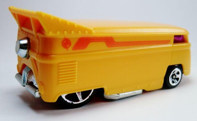 File:Volkswagen Drag Bus-2012 Light Speeders 2.jpg