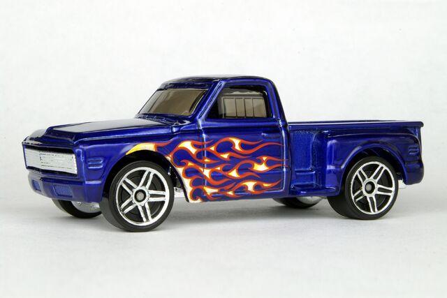 File:Custom '69 Chevy - 7019bf.jpg