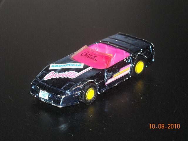 File:HOT WHEELS 1990 California Customs Custom Corvette.JPG