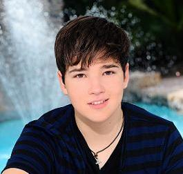 File:Nathan Kress by the Water.jpg