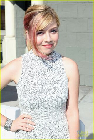 File:Jennette-mccurdy-power-youth-05.jpg