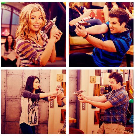 File:The icarly cast holding phaser.jpg