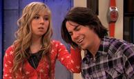 Spam Sam touches Spencer's hair iDABB