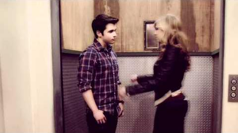 Sam & freddie like to punch lips