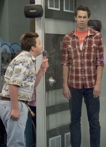 File:Icarly-iomg-episode-09.jpg