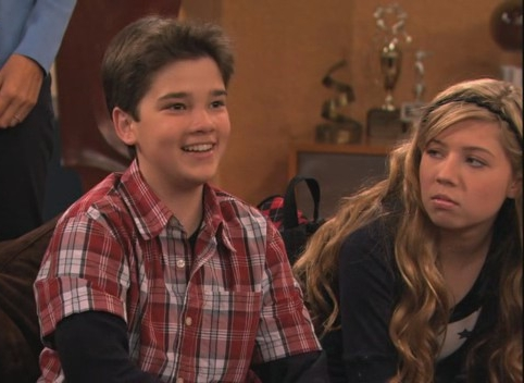 File:ICarly Saves TV -3.jpg