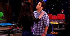 ICarly.S07E07.iGoodbye.480p.HDTV.x264 -Finale Episode-.mp4 002365903-047