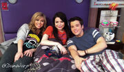 Team iCarly, Jennette-Miranda-Nathan 292106545 from Dan, 05-06-11