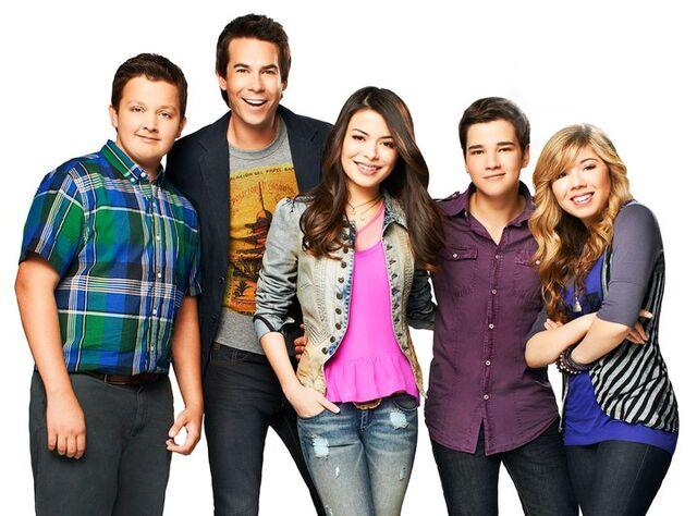 File:ICarly Season 4 cast.jpg