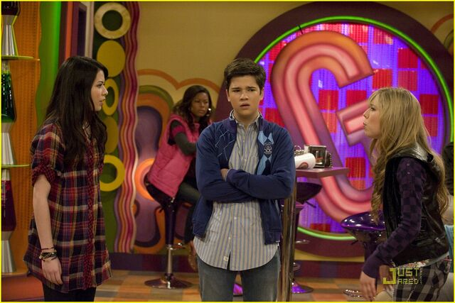 File:Iquit-icarly-07.jpg