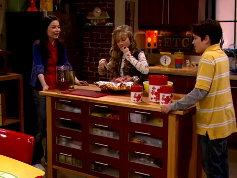 File:ICarly.S01E01.iPilot.HR.DVDRiP.XviD-LaR.avi 001058666.jpg
