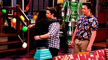 ICarly.S07E07.iGoodbye.480p.HDTV.x264 -Finale Episode-.mp4 002400688-005