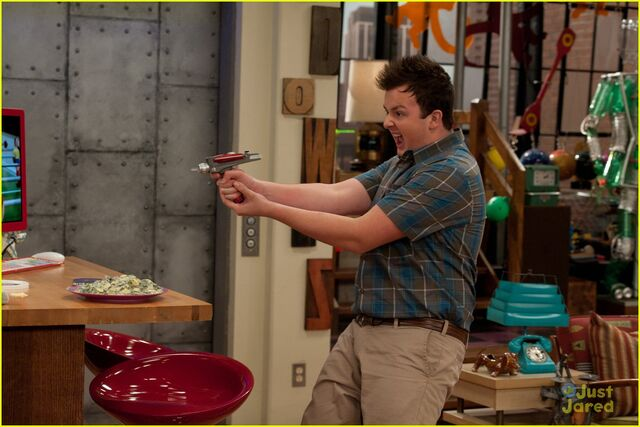 File:Icarly-ibattle-chip-10.jpg