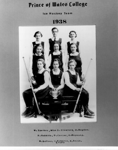 PWC women hockey team 1938