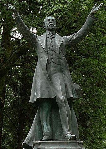 File:Buberel Lord Stanley statue.jpg