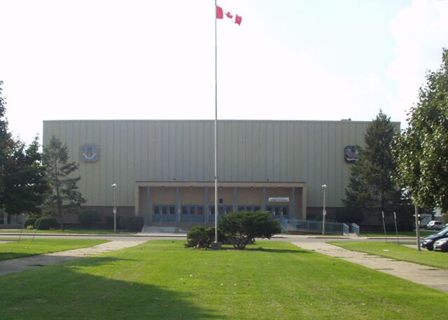 File:Brantford Civic Centre exterior.jpg