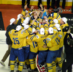 Sweden WJHC trophy celebration