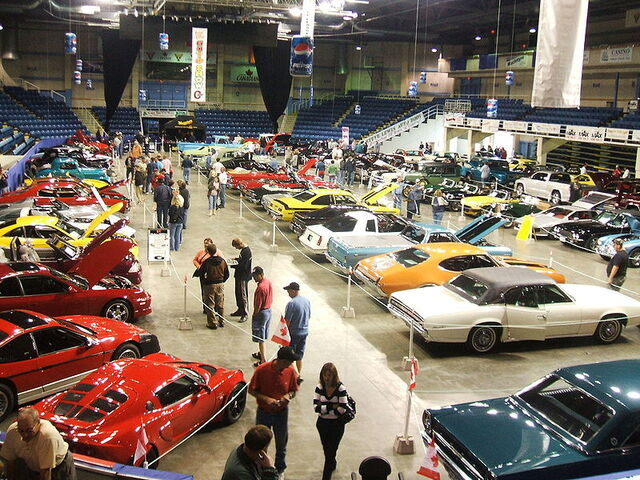 File:Centre200 carshow.JPG