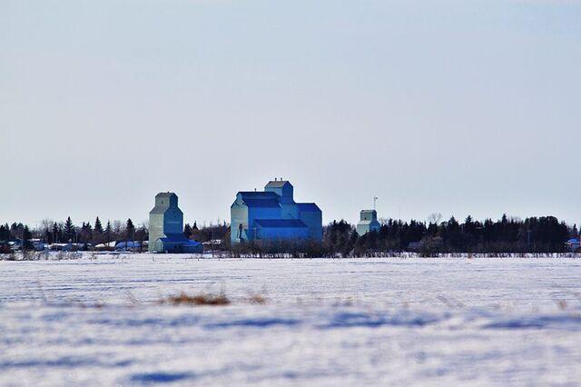 File:Forestburg, Alberta.jpg