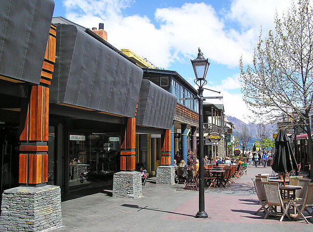 File:Queenstown, New Zealand.jpg