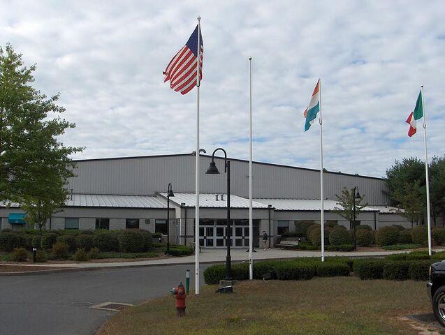 File:Simsbury, Connecticut.jpg