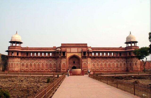 File:Agra-fort-6-jehangirs-palace.JPG