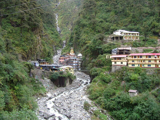File:Yamunotri temple.jpg