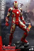 Hot-Toys-QS005-Iron-Man-Mark-XLIII-Figure-e1427914597838