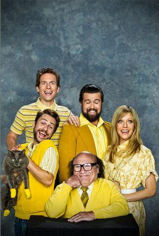File:Season 7 Family portrait.jpg