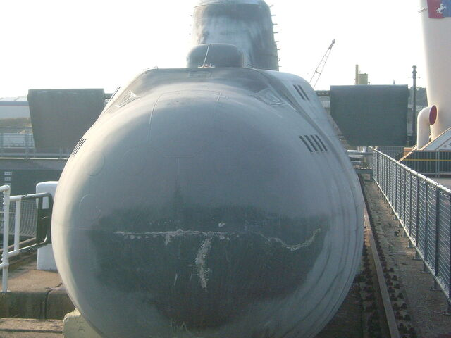 File:Victor-III submarine prop - The World Is Not Enough.jpg