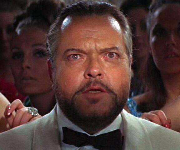 File:Orson Welles Le Chiffre.jpg