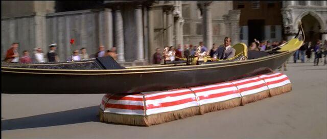 File:Gondola hovercraft.jpg