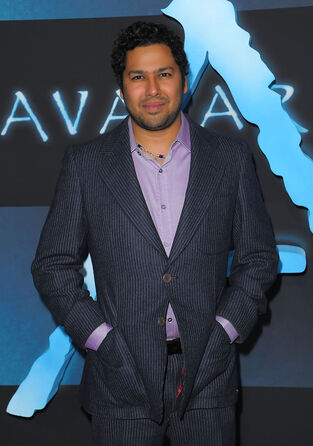 File:Premiere+20th+Century+Fox+Avatar+Arrivals+94-NCAvXuTll.jpg
