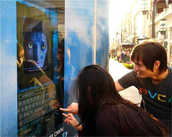 File:Avatar-1-event-usa-morphing-2.jpg
