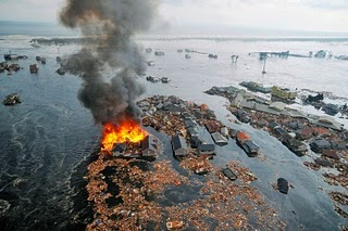 Japan-tsunami-earthquake-photo-stills-013