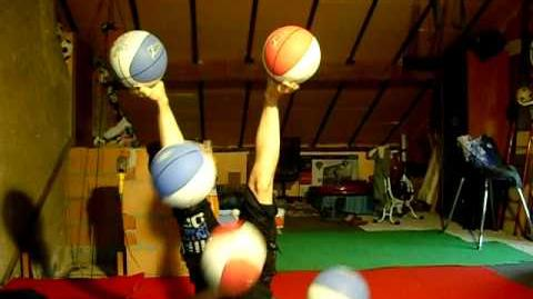 Selyna Bogino doing the 5 balls longest routine ever! XD